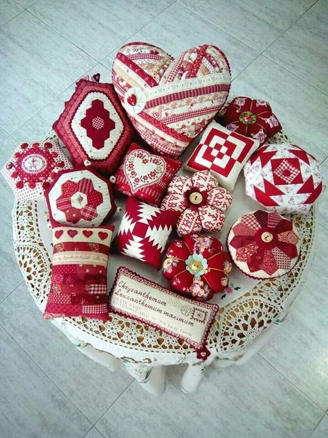 Scrappy projects - Red pincushions