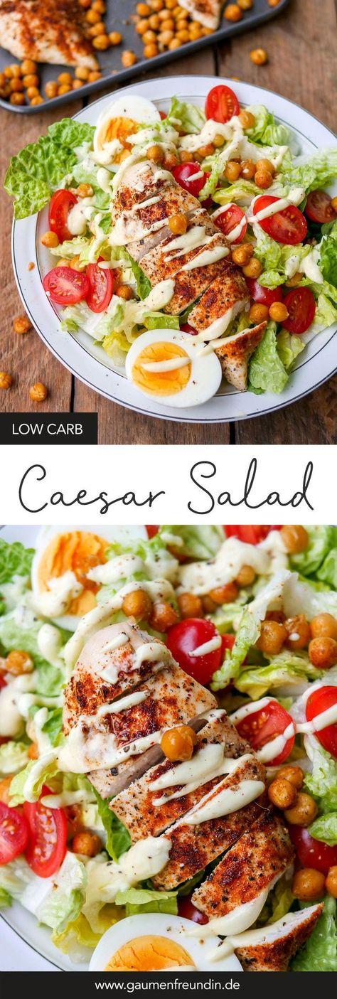 Gesunder Caesar Salad mit gerösteten Kichererbsen - Low Carb und WW geeignet (Gaumenfreundin Foodblog) #caesarsalad #gesund #kichererbsen #hähnchen #eier #healthy #recipe #rezept