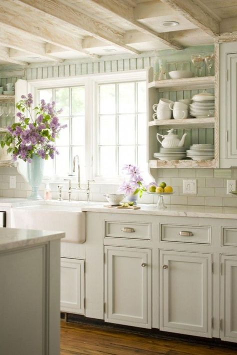 Chic Kitchen Farmhouse Kitchen Ideas On a Budget - DIY Farmhouse Style Decorating Ideas for Your Kitchen lots of Pictures and ideas Country Kitchen Farmhouse, Country Kitchen Designs, French Country Kitchens, Modern Farmhouse Kitchens, Farmhouse Ideas, White Kitchens, White Farmhouse, Country Kitchen Cabinets, Kitchen Walls