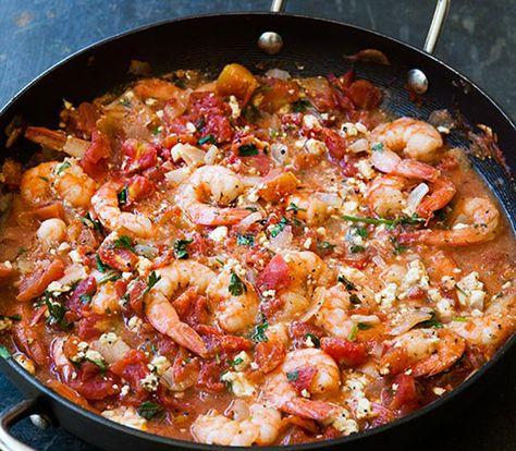 Γαρίδες σαγανάκι με ντομάτα κι φέτα