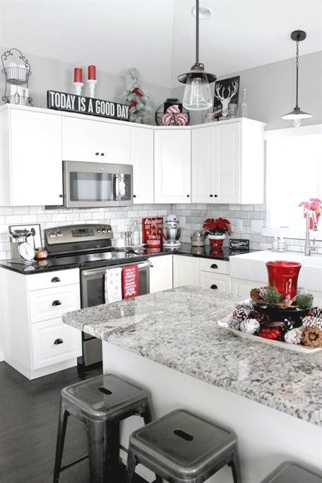 Check Out This Christmas Home Tour I Love The Pops Of Red Black