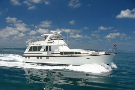 Cruise Lake Michigan In Style On Board The Sophisticated Lady Yacht Charter Boat Yacht Cruises Chris Craft Boats