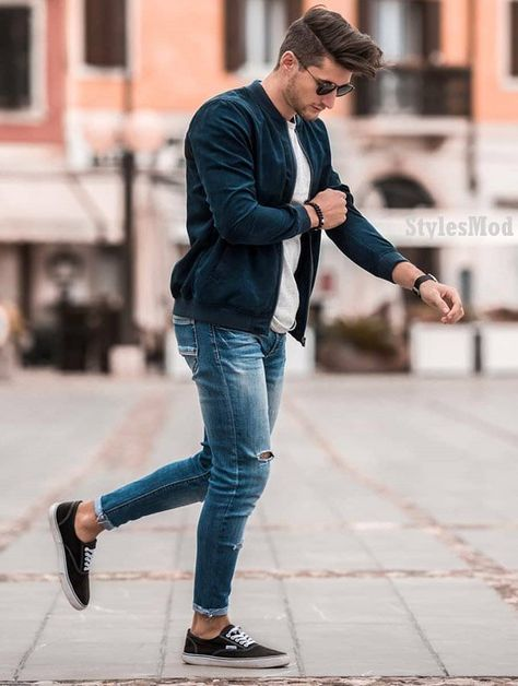 Are you got bored with the old outfit styles? Just Explore here and see the Most Favorite and Gorgeous Outfits styles for Men's for the winter season of 2019. This look is really Gorgeous and Fresh for the young boys and men's. So try it right now and make your style more better in the year of 2019.