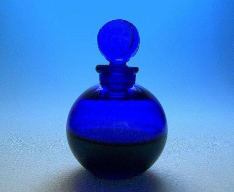 Dans la Nuit Mini Perfume Bottle, Worth, Lalique Design, 1930s by flacons, via Flickr