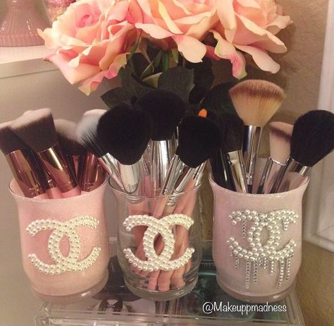 Cute & Girly Chanel Makeup brush holder DIY // callmeniecy