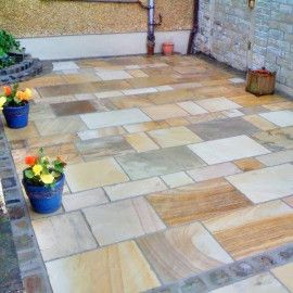 Bradstone Natural Sandstone Paving Fossil Buff Patio Pack 15 30 M2 Per Pack Sandstone Paving Outdoor Projects Paving Stones