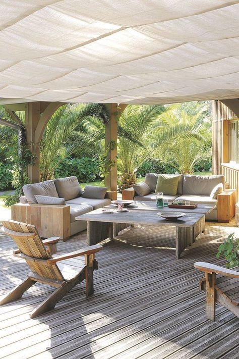 Une Toile Tendue Pour Proteger La Terrasse Maison Bois Terrasse