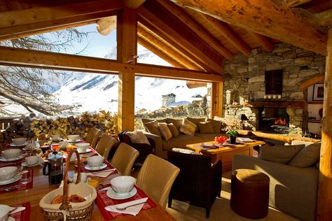 2. Epic Luxury in Val d'Isere Everyone deserves a spot of luxury in their lives, which is why one must experience the ultimate luxury ski holiday in a stunning chocolate box chalet in one of the finest resorts in the world, Val d'Isere. Read more: http://www.igluski.com/blog/2014/08/19/top-5-once-in-a-lifetime-ski-experiences