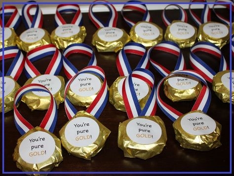 Wrap cookies like Olympic medals as a fun way to celebrate/integrate the upcoming Olympic games.