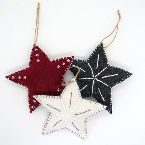 Set Of Three Embroidered Christmas Star Ornaments Unbreakable Felt Christmas Decoration Holiday De Felt Ornaments Felt Christmas Decorations Felt Christmas