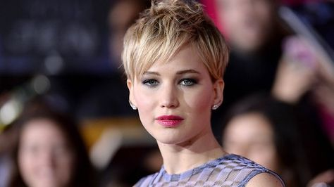 Jennifer Lawrence Poses Nearly Nude In Seductive Vogue