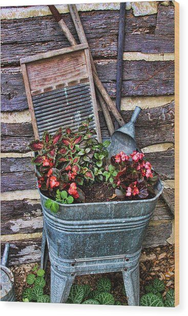 Wash Tub Planter By Linda Phelps Planting Flowers Garden Planters Outdoor Gardens