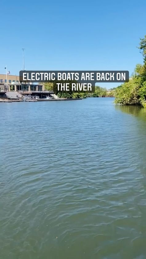 Chicago Electric Boats on the Chicago River