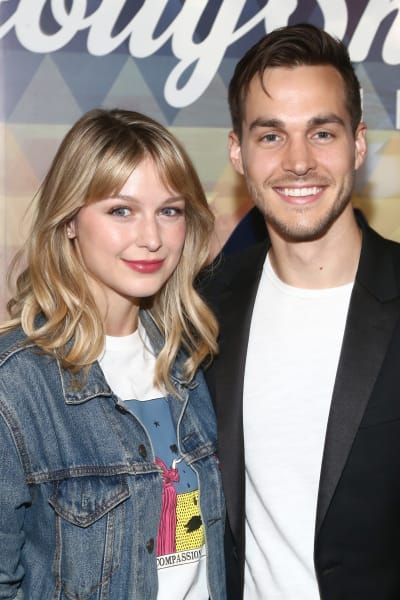 Supergirl Stars Melissa Benoist And Chris Wood Are Married Tv Fanaticdont Miss Out On Your In 2020 Chris Wood Melissa Supergirl Melissa Benoist