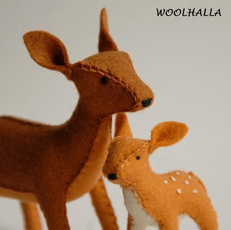 Wool Felt Toy Brown Deer Mama and Fawn Reserved for by woolhalla Christmas Fair Ideas, A Christmas Story, Felt Christmas, Christmas Crafts, Christmas Stuff, Christmas Ornaments, Fabric Animals, Felt Animals, Indoor Crafts