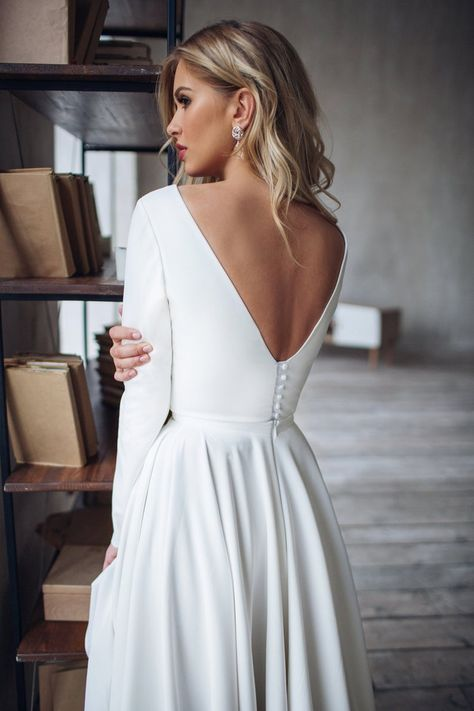 Simple Wedding Dress Dalarna, crepe minimalist dress, High Low skirt Wedding dress Eenvoudige bruiloft jurk van crêpe met Hi. Evening Dresses For Weddings, Lace Weddings, Romantic Weddings, Destination Weddings, Simple Weddings, Honeymoon Dress, Romantic Honeymoon, Honeymoon Style, Wedding Dress Sleeves