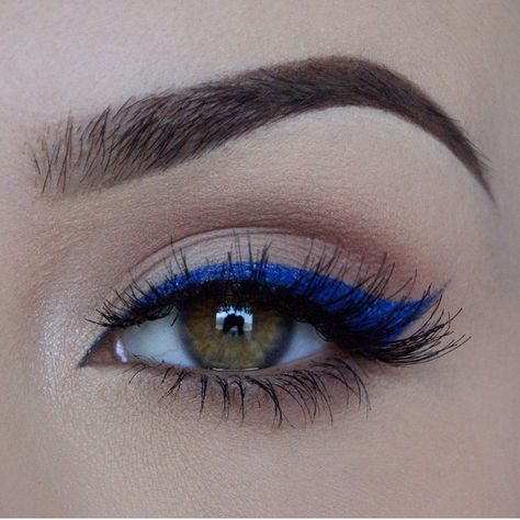 eye makeup with a pop of colour: blue winged eyeliner @miaumauve …