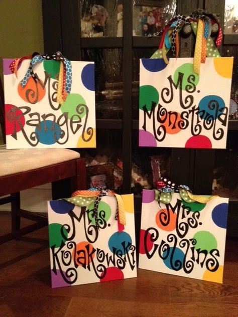 Teachers' Name Signs - Great Gifts!!! Many different designs on the site...Personal Pizazz by Lindsey