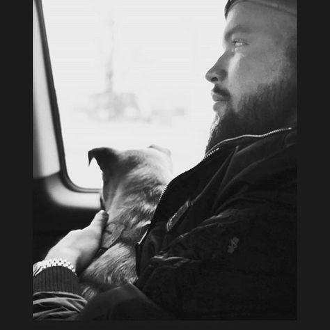 Ende Gut Alles Gut Fur Zwei Harte Aber Gluckliche Hunde Notpfote Kollegah Animalrescue Narev Tierschutz Tierschutz Hunde Hundeblick Tierschutz