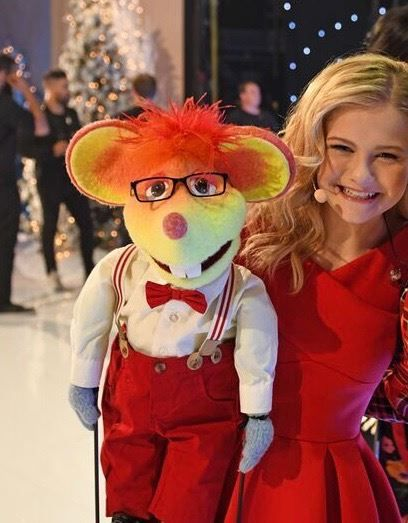 Americas Got Talent Christmas.Oscar With Darci Christmas Special 12 11 2018 Darci Lynne