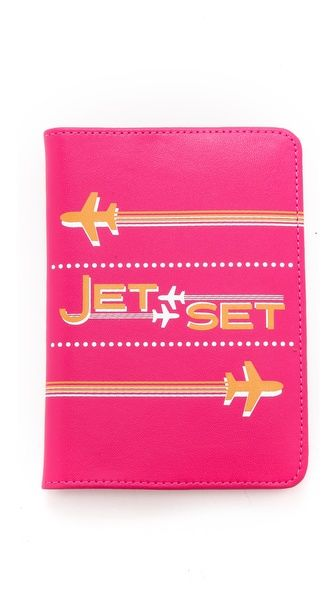 bright pink passport cover! http://rstyle.me/n/pdug5r9te