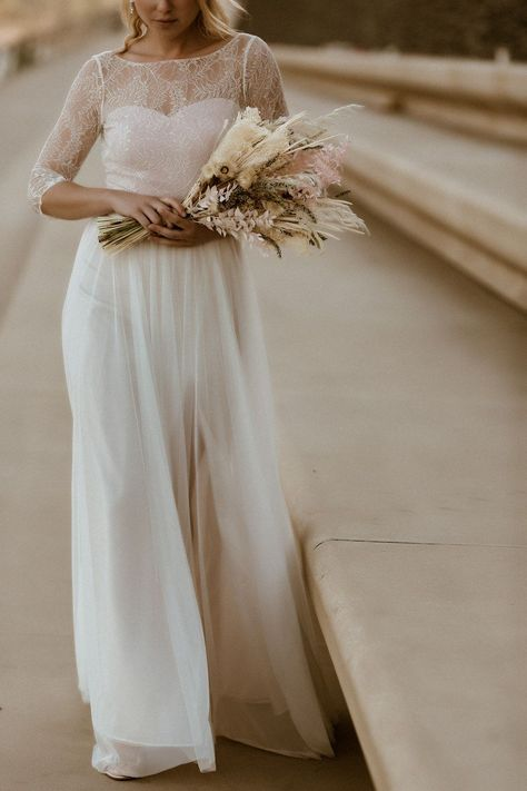Brautkleid Willow – Body mit Botanikmuster zu Schleppenrock aus Softtüll   noni