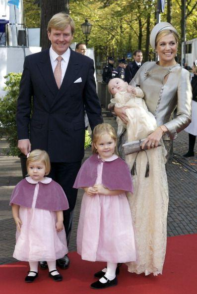 Amalia, Alexia et Ariane des Pays-Bas accueillent Saint