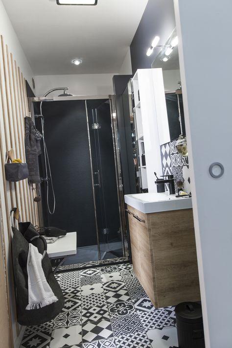 Carrelage sol et mur noir et blanc effet ciment Gatsby l.20 x L.20 cm #leroymerlin #carreauxdeciment #blackandwhite #salledebains #ideedeco #madecoamoi
