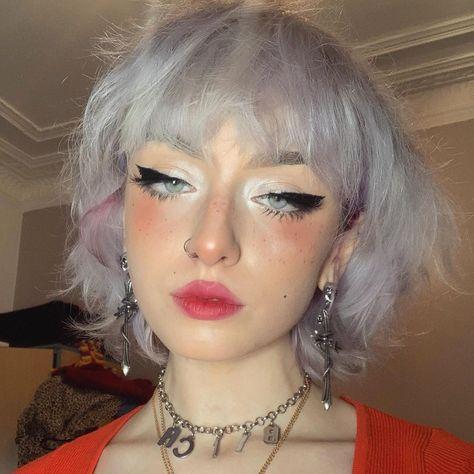 Cute Makeup, Pretty Makeup, Hair Makeup, Aesthetic Hair, Aesthetic Makeup, Hair Inspo, Hair Inspiration, Hair Dye Removal, Creative Makeup Looks