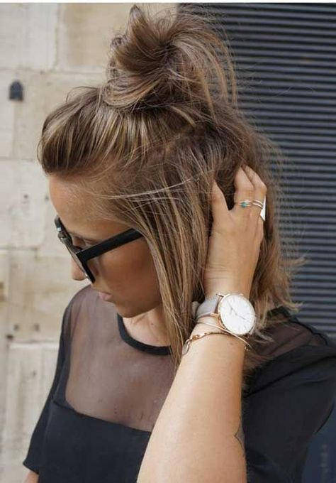 15 Cute Buns For Short Hair Frisuren Balayage Kurzhaarfrisuren