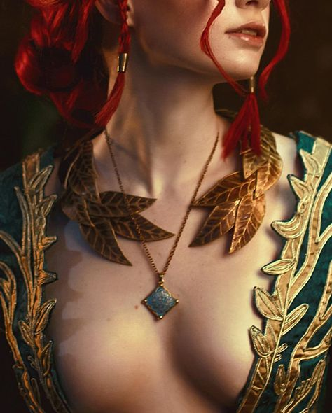 ~Triss Merigold~ This week I'm planning to post something new - my non-cosplay photos without any wigs but just with my natural hair 🌿…