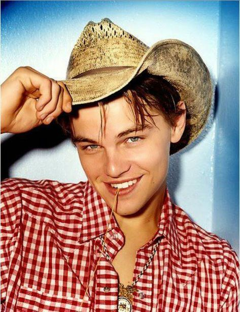 background 12 Bizarre Pictures of a Young Leonardo DiCaprio Photographed by David LaChapelle in 1995 Leonardo Dicaprio Fotos, Leonardo Dicapro, David Lachapelle, Star Hollywood, Leo Decaprio, Jack Dawson, Provocateur, Memes Br, Brad Pitt