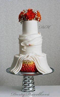 Wow amazing wedding cake . . .