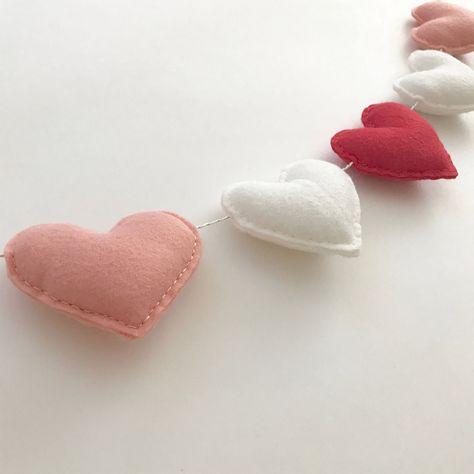 Valentine Crafts For Kids, Valentines Day Party, Valentines Day Decorations, Love Valentines, Handmade Valentine Gifts, Valentine Hearts, Saint Valentine, Heart Garland, Heart Banner