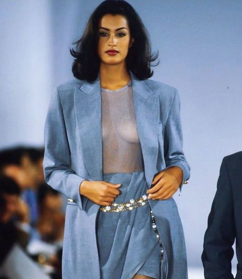 Yasmeen Ghauri for Donna Karan, S/S 1992 Fashion 90s, Tokyo Street Fashion, Fashion Killa, Look Fashion, Couture Fashion, Runway Fashion, Fashion Models, High Fashion, Vintage Fashion