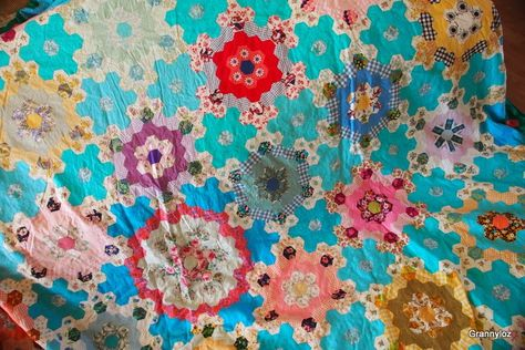 Faeries and Fibres: Tutorial: Planning the construction of a hexagon quilt