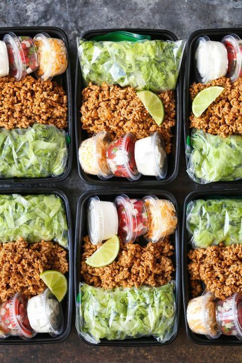 Puten-Taco-Salat-Mahlzeit-Vorbereitung Turkey Taco Salad Meal Prep – Turkey Taco Salad Meal Prep – A much healthier taco teatime offer unless you are prepared for the whole week! Less calories and cheaper! Healthy Snacks, Healthy Eating, Healthy Recipes, Free Recipes, Easy Recipes, Keto Recipes, Good Healthy Meals, Healthy Food Prep, Clean Eating Meals