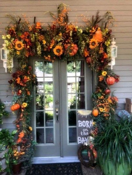 Creative Thanksgiving Front Door Decoration Ideas 49 Fall