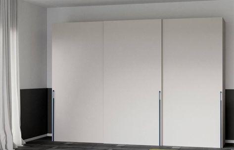 Maniglie Per Armadi Con Ante Scorrevoli.Armadio Con Tre Ante Scorrevoli Con Maniglia Wardrobes Bedroom