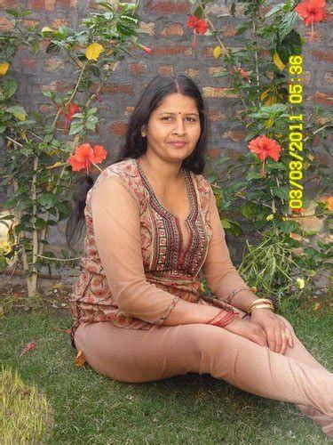 Desi aunty xossip