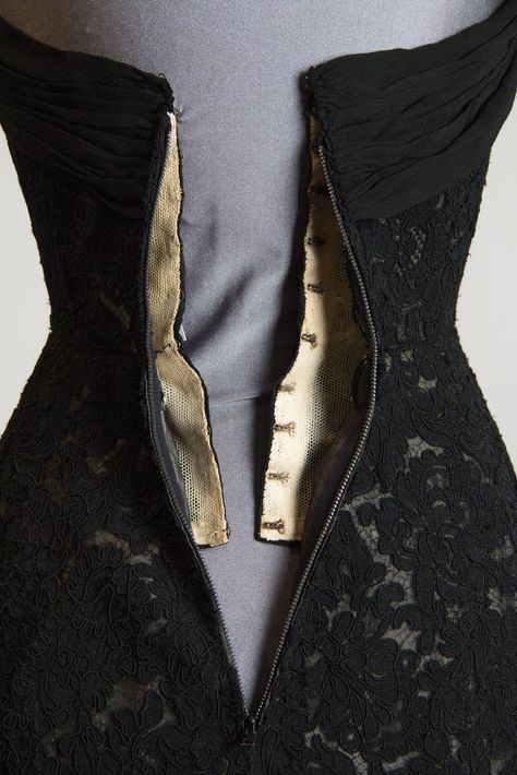 Pierre Balmain Evening Dress - 1950S Black & Silk Lace Cocktail Jacke Silk