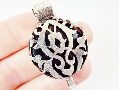 1pc Black Exotic Fretwork Jade Connector Matte Silver Plated Bezel