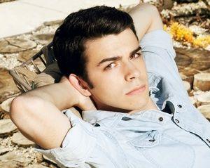 "Joey Pollari. Can you say ""attractive""?(:"