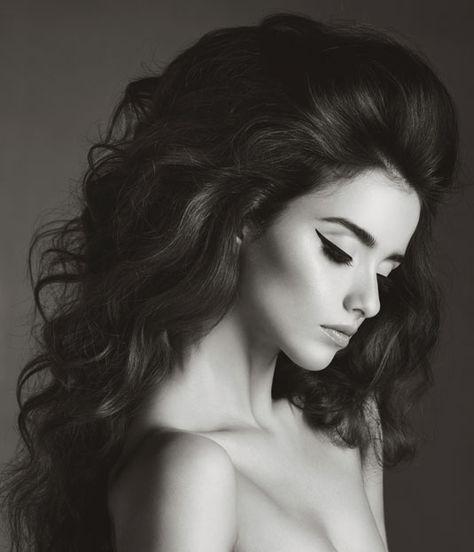 Best Volumizing Root Sprays for Extra Volume! http://thedailymark.com.au/beauty/hair-beauty/best-root-volumizer-sprays