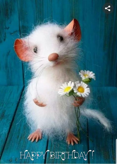 I dont like mice but I do think this one with the Daisys is totally cute