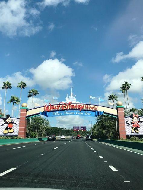 Walt Disney World Sign Cute Disney, Disney Dream, Disney Magic, Disney Vacations, Disney Trips, Disney Travel, Walt Disney World, Disney World Florida, Walt Disney Orlando