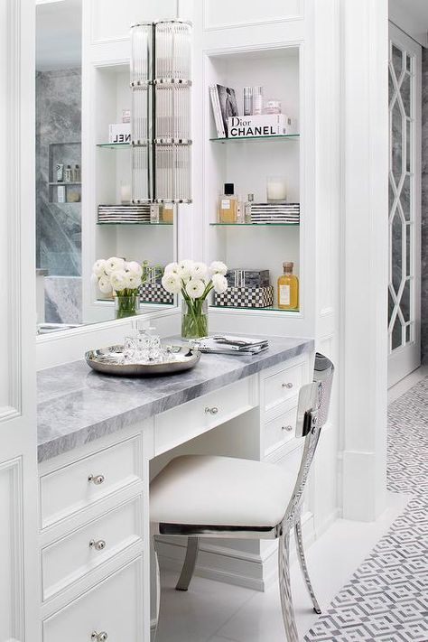 What I Love Wednesday: Knowles Design Studio Dressing Room Design, Bathroom Red, Bathroom Vanity Trends, Bathroom Vanity, Home Interior Design, Bathroom With Makeup Vanity, Rustic Bathroom Vanities, Bathroom Interior Design, Green Bathroom