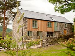 Shepherds Cottage North Wales Baby Friendly And Hot Tub Luxury Holiday Cottages Cottages In Wales Luxury Cottage