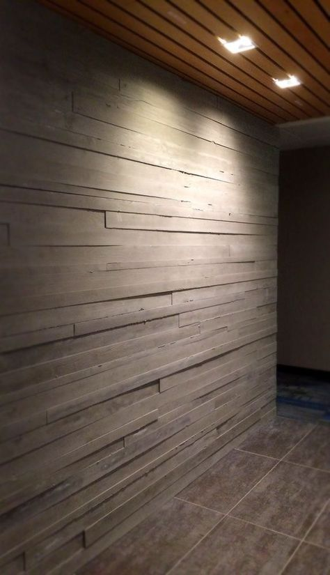 These Striking Board Form Concrete Walls Offer The Classic Look Of Wood With The Durability Of Concrete Concre Arquitetura Arquitetura Casas Concreto Aparente