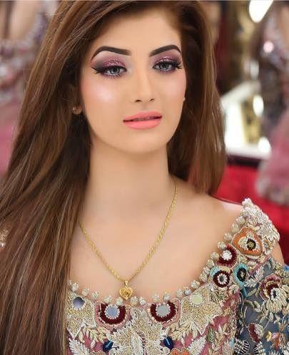 9 Stilvolle Pakistanische Frisuren Fur Casual Und Hochzeit Im Jahr 2019 In 2020 Pakistani Wedding Hairstyles Pakistani Wedding Cool Hairstyles For Girls